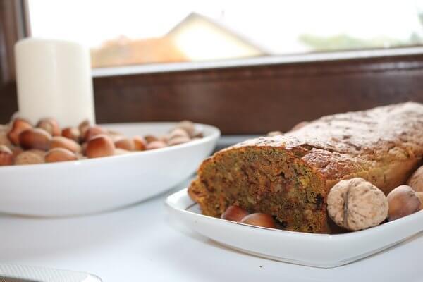 Ciasto marchewkowe z niebieskiej kukurydzy