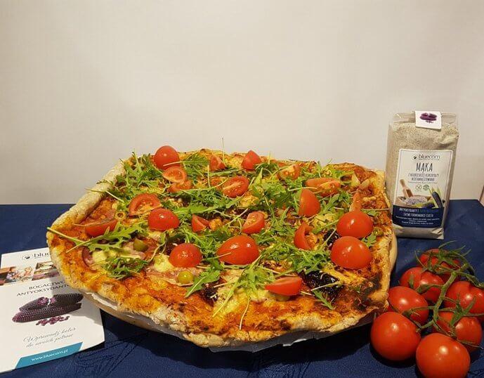 Pizza domowa niebieska kukurydza & orkisz Św. Hildegardy